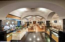 المطاعم ومحلات القهوة