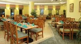 المطعم والكافي شوب في الفندق